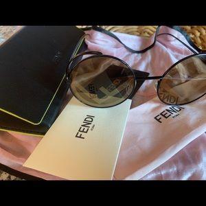 Black Fendi Round Logo-Lenses Sunglasses (Unisex)